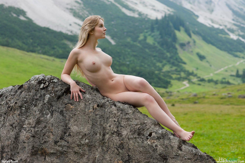 Сногсшибательные голые девушки 7 фотография