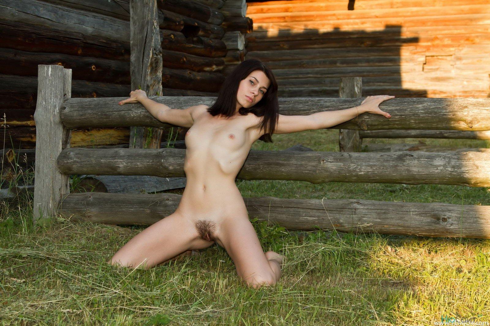 Деревенские девушки голые 12 фотография